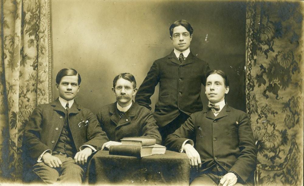 Belles Lettres debating team, 1902