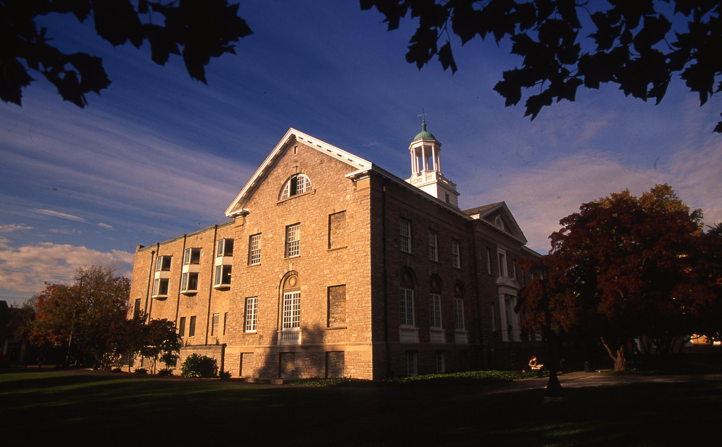 Weiss Center, 1994