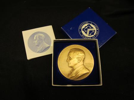 Harry S. Truman commemorative medal
