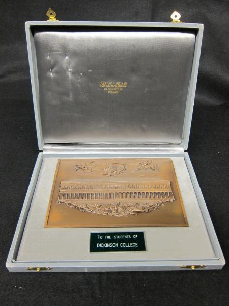 Coro Stelutis plaque, 1983