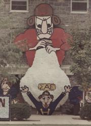 Homecoming spirit display by Sigma Alpha Epsilon, 1968