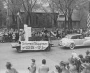 Dr. Harman Disapproves of Coeds at D-son Float, 1948