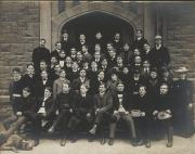 Class of 1904 outside Denny Hall, 1903