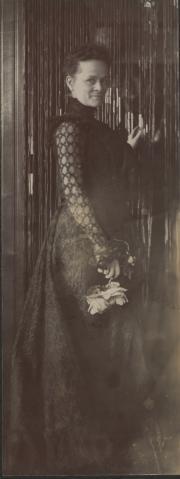Zatae Longsdorff, c.1890