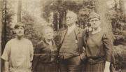Heilig Family, 1924